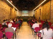 Η αίθουσα του Palacio de Villa Suso με τους συνέδρους από πολλές ευρωπαϊκές χώρες να παρακολουθούν τη Διεθνή Ημερίδα