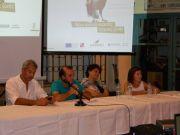 """Οι ομιλητές, όλοι στελέχη με ειδική εμπειρία, απαντούν στις ερωτήσεις των ακροατών. Διακρίνονται από δεξιά η Κα Τζίκα (ΥΠΑΑΤ – μέλος του """"Team Europe""""), η Κα Σπυροπούλου (Εuropean Εnvironmental Αgency), o κ. Μπαϊρακτάρης (Επιστ. Συνεργάτης ΚΕΔΕ) και ο κ. Γουρδομιχάλης (Πρόεδρος ΠΕΣΥΔΑΠ)"""