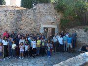 Οι Σύνεδροι στην είσοδο της Μονής Καισαριανής